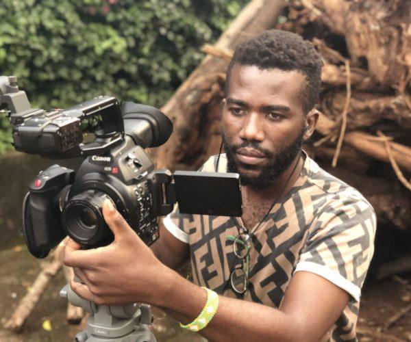 En Piks on Safari trabajamos con una de las productoras de cine más reconocidas de Tanzania y te ofrecemos todas las soluciones que necesitas para organizar cualquier tipo de producción en este país del Este de África. Te facilitamos la gestión burocrática, de material y de personal con experiencia para que tu rodaje sea todo un éxito y cumpla los estándares internacionales de la industria del cine.